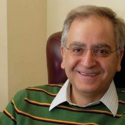 آشنایی با پروفسور کامران وفا