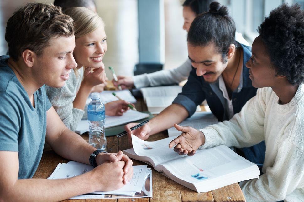 مطالعه با دوستان